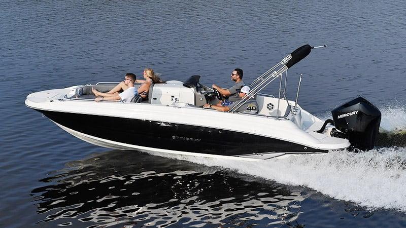 212SC Deck Boat