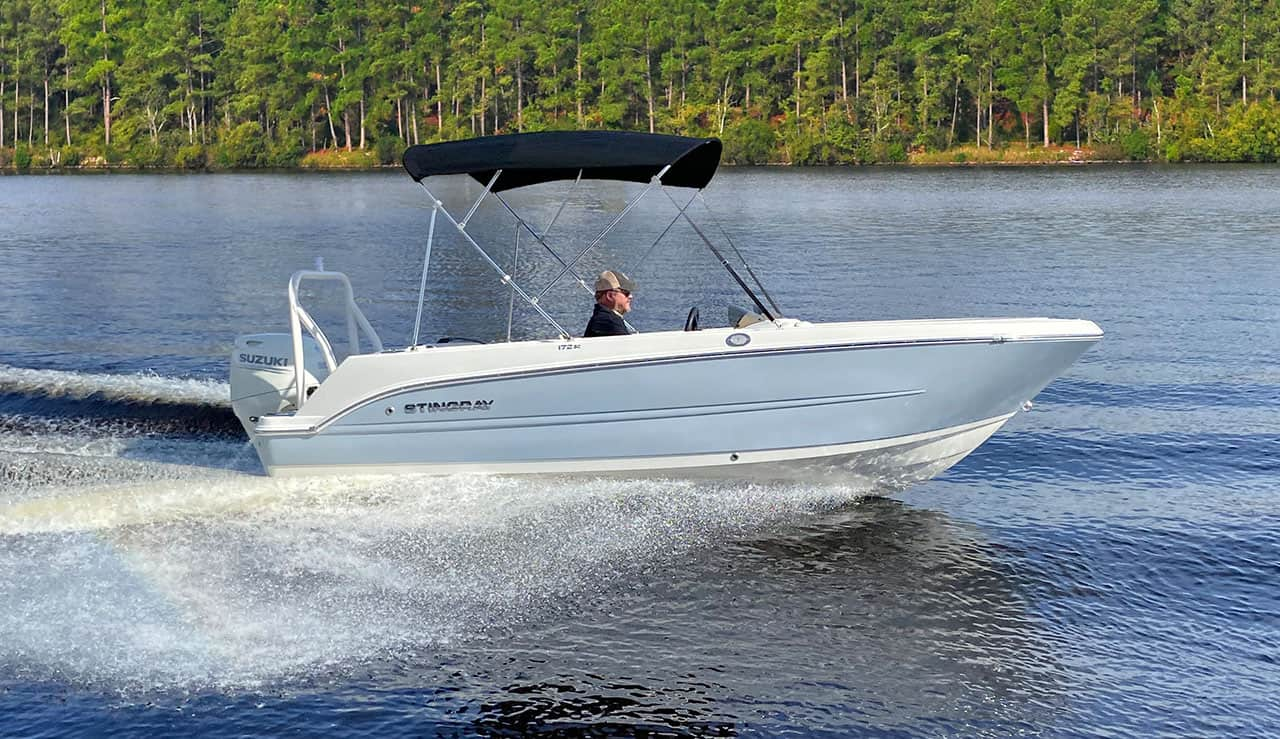 Stingray-Boats-Hull-Color_Oyster