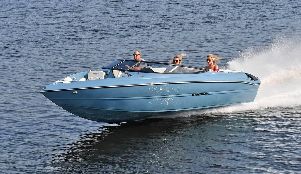 Stingray-Boats-Hull-Color_Seaside-Blue