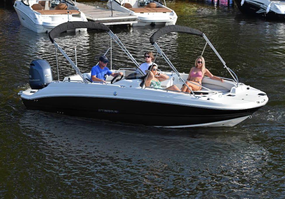 192sc-deck-boat-lifestyle-1