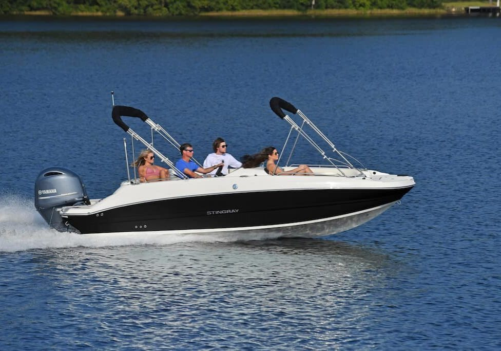 192sc-deck-boat-running-3