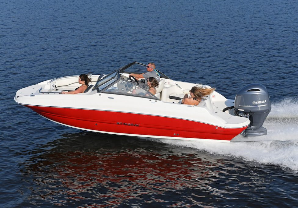 201ds-deck-boat-running-9