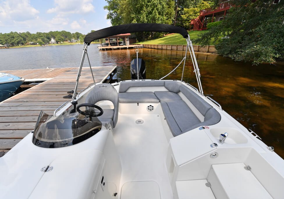 212sc-deck-boat-detail-12